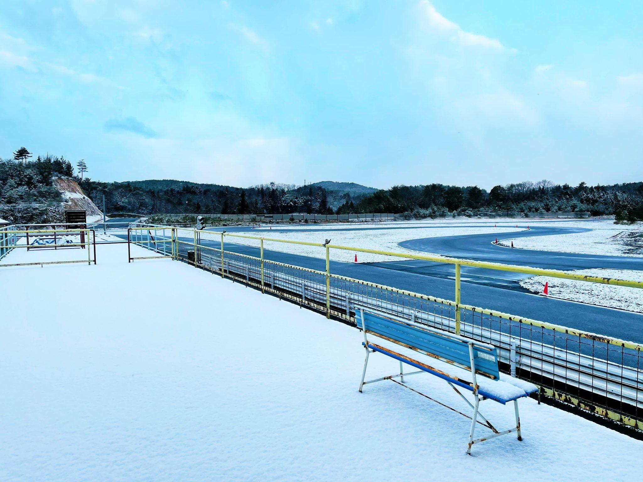 ついに初雪です…